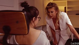 A busy date day is graveolent into a really lesbian intercourse with Alexis Fawx