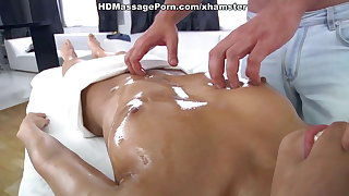 Hd girl fucks the stiff member in the massage parlor
